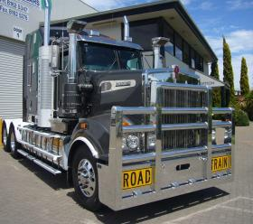 Kenworth T909 FUPS Custom Road Train bullbar      #14
