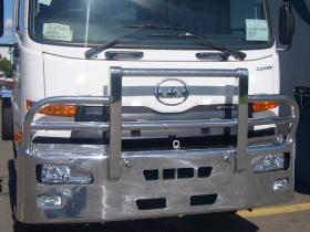 Nissan UD PK17 FUPShi-tensile polished aluminium bull bar      #3