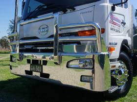 Nissan UD Condor FUPS hi-tensile polished alloy bullbar     #11
