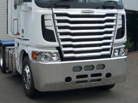 Freightliner Argosy Fups Custom Bumper Bar       #3