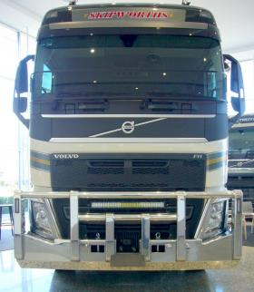 Volvo FH Low-Profile Custom Built FUPS Compliant Polished Bullbar   #4