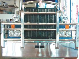 Kenworth T909 FUPS Custom bull bar    #12