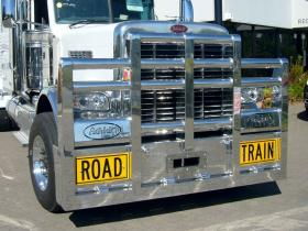 Peterbilt Road Train FUPS alloy bull bar        #1